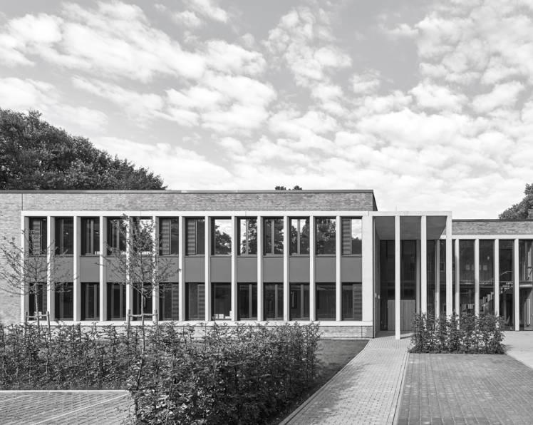Mai 2018 - Fertigstellung Oberstufenhaus Gymnasium Eppendorf